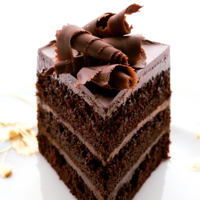 200512-r-xl-fudgy-chocolate-layer-cake